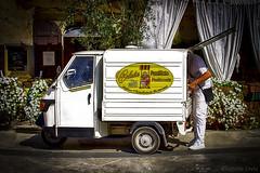 Pane quotidiano - Daily bread (Eugenio GV Costa) Tags: approvato street motoape fornaio pane baker bread strada outside