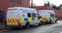 Bedfordshire Police - OUO8 EET & OU59 DHK (999 Response) Tags: bedfordshire police bedfordshirepolice luton lutonpolice ford fordtransit policevan van ouo8eet ou59dhk ou08eet lutonpolicestation station