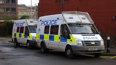 Bedfordshire Police - OUO8 EET & OU59 DHK (999 Response) Tags: bedfordshire police bedfordshirepolice luton lutonpolice ford fordtransit policevan van ouo8eet ou59dhk lutonpolicestation ou08eet