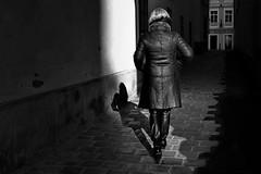 narrow alley (heinzkren) Tags: schwarzweis blackandwhite monochrome candid urban city wien vienna schmiede shadow lady human woman sun canonr eosr street streetphotography noiretblanc biancoetnero person jesuitengasse