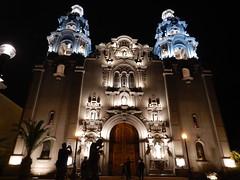 'Iglesia La Virgen Milagrosa' (Pierre♪ à ♪VanCouver) Tags: church iglesia chiesa igreja lima peru pérou miraflores kerk