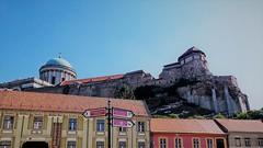 LATVANYTAR (roberke) Tags: houses huizen city sky castle church hungary lucht kerk stad burcht hongarije esztergom dom donau
