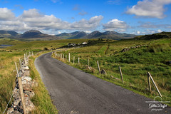Connemara loop - Rinvyle - County Galway (gopillentes) Tags: connemara irlande peninsulederinevyle ireland landscape paysage galway wildatlanticway green vert clôture fences
