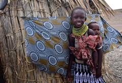 Kenya- El Molo tribe (venturidonatella) Tags: africa kenia kenya tribe tribù persone people gentes gente nikon nikond500 d500 portraits ritratti colori colors elmolo elmolotribe tribùelmolo elmolopeople sorriso smile bambini children northernkenya elmolovillage villaggioelmolo