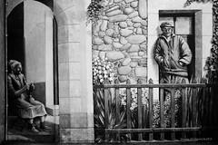 Couple vendéen (patoche21) Tags: france monochrome europe dxo paysage rue lessablesdolonne paysdelaloire streetart noiretblanc nb peinture vendee urbain peinturemurale paysageurbain blackandwhite bw paint