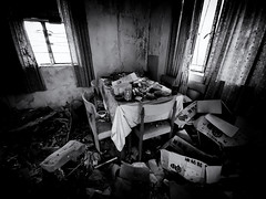 The Last Supper (Feldore) Tags: hongkong mawan abandoned house derelict table chairs ma wan hong kong ghost village haunted spooky feldore mchugh huawei p30 pro