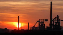 Sunset I (CKMS Photo) Tags: canon ruhrgebiet 5diii 5d3 ruhrarea steel plant duisburg germany sunset industry nrw