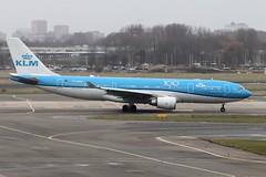 PH-AOM (vriesbde) Tags: amsterdamschiphol amsterdam schiphol eham ams phaom airbusa330203 airbusa330200 airbusa330 airbus a330203 a330200 a330 plazzasanmarcovenezia plazzsanmarco venezia klm 100