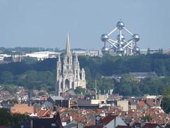 The church and the Atomium (seikinsou) Tags: brussels belgium bruxelles belgique summer church atomium flag