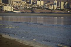 Resaca (Litrosss) Tags: playa reflejo agua olas
