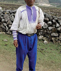 Chiapas Mexico Textiles Camisa Shirt (Teyacapan) Tags: hombre maya chiapas camisa shirt mexico ropa clothing