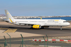 EC-MMH (GH@BHD) Tags: vy airbus a321 vueling vlg vuelingairlines a321200 ecmmh aircraft aviation ace lanzarote airliner arrecife gcrr arrecifeairport