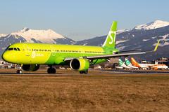 S7 Airlines VQ-BGU 10-1-2020 (Enda Burke) Tags: vqbgu inn innsbruck austria s7 s7airlines a321 airbusa321 avgeek aviation airport departure runway travel takeoff taxiing russian russia taxiway mountain
