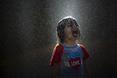 Super Love (Diego Epstein) Tags: joy happiness kid child nena niña water rain lluvia rainbow arco iris d600 nikon vivitar 85mm f14 agua alegria diversion