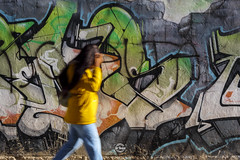 Yellow - 3/52 (Sr.Ivan) Tags: yellow graffiti streetphotography street streetphoto fotografiasocial fotografiaurbana fotografíaurbana 35mm 35mmphotography 35mmphoto canon canoneosm50 eos m50 canonm50 alicante elche elx visitelche costablanca