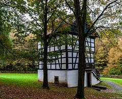 20191104-MUSEUMSHOF-BAD-OEYNHAUSEN-35 (reinhard101) Tags: museum museumshof bad oeynhausen alte gebäude fachwerk bauer bauern gerätschaft gerät nrw germany nostalgie