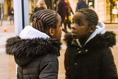 Le miroir de l'âme (dominiquita52) Tags: streetphotography mirror reflection reflet double enfant child fille girl