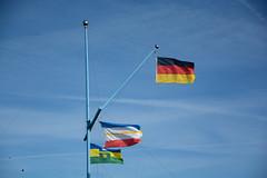 Unterwegs auf der Insel Poel  (18) (berndtolksdorf1) Tags: deutschland mecklenburgvorpommern inselpoel himmel sky fahnen flaggen
