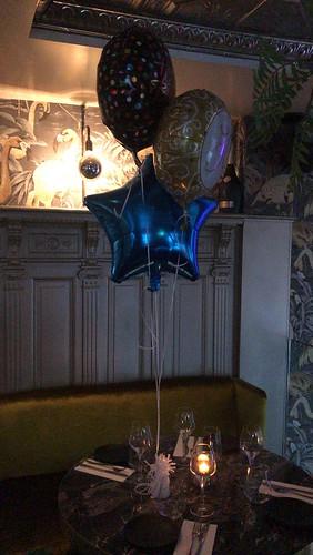 Tafeldecoratie 3ballonnen Folieballonnen YOLO Rotterdam