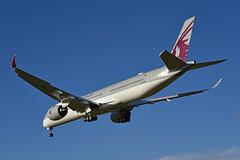 'QR4LA' (QR0007) DOH-LHR: A7-ANN first visit to London Heathrow (A380spotter) Tags: approach landing arrival finals shortfinals threshold airbus a350 a350xwb™ xtrawidebody extra 1000 a7ann qatar القطرية qatarairways qtr qr qr4la qr0007 dohlhr firstvisittolhr firstvisittoheathrow runway27r 27r london heathrow egll lhr