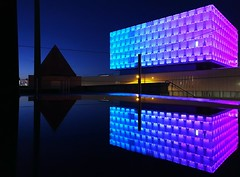 University of Liverpool Puddle Reflection (MerseySpyder) Tags: universityofliverpool puddlereflection nightphotography lighting liverpool merseyside uk liverpoolbuilding