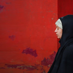 Minimalist   The Language of Color   Varanasi, India (kOHN_sIAH) Tags: red colors minimalism minimalist meditation calm square simplicity travel