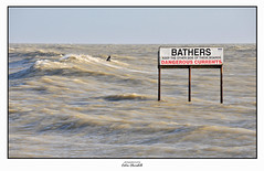 Dangerous Currents (PIXTOART) Tags: littlehampton danger dangerous currents surfing waves sea rough