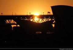 Opera House @ Sunset, Sydney, Australia (JH_1982) Tags: opera house harbour bridge oper opernhaus ópera opéra 悉尼歌剧院 シドニー・オペラハウス 시드니 오페라 하우스 сиднейский оперный театр sky evening yellow orange red sun glow silhouette silhouettes sunset ocaso sonnenuntergang coucherdesoleil pôrdosol tramonto закат zonsondergang zachódsłońca solnedgång solnedgang auringonlasku apus залез matahariterbenam mặttrờilặn 日落 日没 غروب sydney sídney 悉尼 シドニー сидней nsw new south wales australia australien australie 澳大利亚 オーストラリア 오스트레일리아 австралия