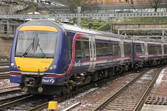 First Scotrail Class 170 170424 (Rob390029) Tags: first scotrail class 170 170424 edinburgh waverley railway station edb