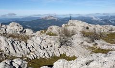 Kurutzebarri (Paulo Etxeberria) Tags: kurutzebarri zaraia elorreta karst paisaia paisaje landscape paysage mendiak montañas mountains montagnes udalatx