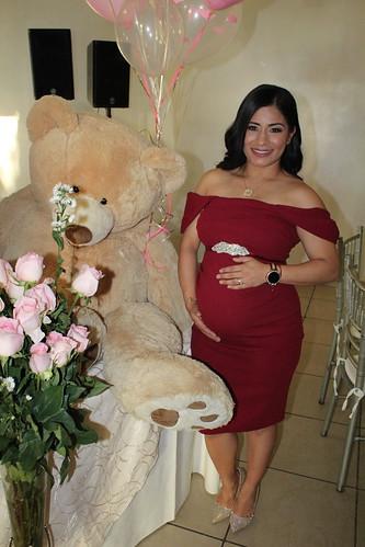 Janeth  espera una niña