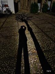 Come si misura la Vita? (iw2ijz) Tags: 2019 olympus 12m lumix panasonic fine art italy castle italia emiliaromagna taro valle alta castello ombre shadows compiano paese 43