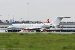 N912MT - 2015 build Bombardier BD700 Global Express 5000, arriving on Runway 23R at a wet Manchester (egcc) Tags: 9699 alvador bd700 bizjet bombardier cfhnd egcc global global5000 globalexpress lightroom man manchester n912mt ringway