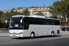 EL-340-KS, Place Joffre, Paris, September 11th 2019 (Southsea_Matt) Tags: el340ks yutong paris france september autumn 2019 canon 80d sigma 1850mm bus omnibus transport vehicle placejoffre coach