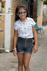fashionable girl (the foreign photographer - ฝรั่งถ่) Tags: fashionable girl preteen child khlong lard phrao portraits bangkhen bangkok thailand nikon d3200 sunglasses