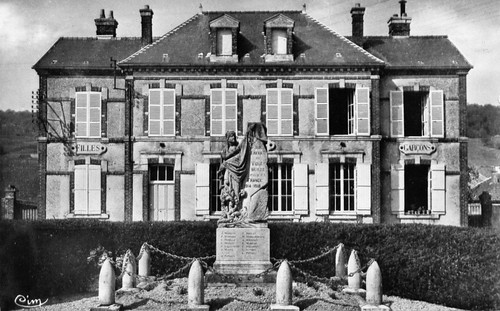 Vinay-05_Mairie_Monument