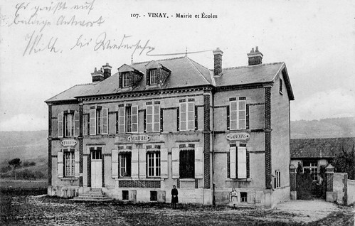 Vinay-02_Mairie_et_ecoles