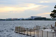 Broken Fence (sumi!) Tags: jonanjima seaside park sea ocean tokyobay tokyo otaku fence broken