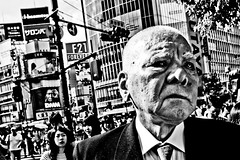 Close Up Tokyo (Victor Borst) Tags: paars street streetphotography streetlife real reallife realpeople asian asia asians faces face candid city cityscape citylife fuji fujifilm xpro2 expression expressions tokyo japan ja japanese mono monotone monochrome blackandwhite bw travelling trip travel traveling portrait portraits shibuyacrossing happyplanet asiafavorites