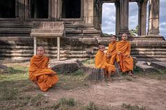 young monks in the temples of Angkor Wat (Tofubratwurst) Tags: angkorwat angkor templesofangkorwat tempel monk monks mönch buddha buddhism buddhismus kambodscha cambodia sonyalpha7rm2 sonyilce7rm2 fe1635mmf4zaoss tofubratwurst architektur reiselust travelphoto travelphotography travel asia asien