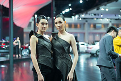 L1004717-1 (nae2409) Tags: car pretty girl motorshow leica m240 50mm summilux thailand portrait