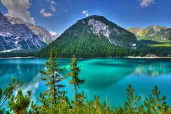 Chiesetta sul lago (giannipiras555) Tags: lago collina montagna dolomiti barche alberi natura landscape panorama paesaggio nikon altoadige trentino riflessi rocce colori water