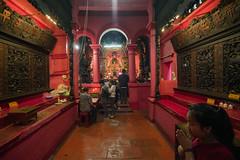 (kuuan) Tags: tokinaf3517mm 17mm tokina mf manualfocus tokinarmc tokinarmcf3517mm a7 sonya7 ilce7 sony saigon cafe street architecture hcmc vietnam pagoda colorful red chùangọchoàng jadeemperorpagodasaigonho taoism taoist jadeemperorpagoda hochiminhcity