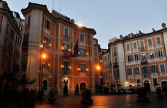 A Roman evening (DameBoudicca) Tags: italy italien italia italie イタリア rome rom roma ローマ evening kväll afton abend soir sera 夕 ゆう