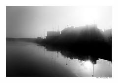 """""""Dans Les Traces Du Poulpe Ou Pour L'Attendrir Faut Taper Dessus... 40"""" (TBWLC Photography) Tags: fdrouet tbwlc nb bw monochrome brume myst saintnazaire penhoët nikon d750 reflet reflection"""
