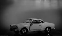 Karmann Ghia (Günter Hentschel) Tags: bw sw ohnefarbe blackwhite schwarzweis 2020 1 januar januar2020 karmannghia vw hentschel flickr deutschland germany germania alemania allemagne nikon nrw nikond5500 d5500 modellauto modellcar modell fotomodell auto car