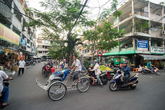 (kuuan) Tags: tokinaf3517mm 17mm tokina mf manualfocus tokinarmc tokinarmcf3517mm a7 sonya7 ilce7 sony saigon cafe street architecture hcmc vietnam housing tricycle motorbike phường1quan3