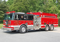 Chestnut Ridge MD   Seagrave Pumper Tanker (kyfireenginephoto) Tags: owings mills tanker firemen ridge truck 2000 seagrave lutherville fire crfd md towson helmet axe pumper chestnut siren tender maryland baltimore county hose pikesville