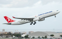 Turkish Airlines (Guilherme_Martinez) Tags: aircraft airbus airbuslovers adorable summer sky sun sunset follow family followme lisboa love lisbon lovers like planespotting passion beautiful best boeing governamental avioes me cargo clouds cool
