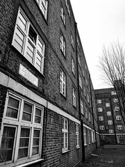 Gosling House, Shadwell (London Less Travelled) Tags: uk unitedkingdom britain england london city urban suburban suburb suburbs suburbia towerhamlets street shadwell housing socialhousing council monochrome blackandwhite gosling house